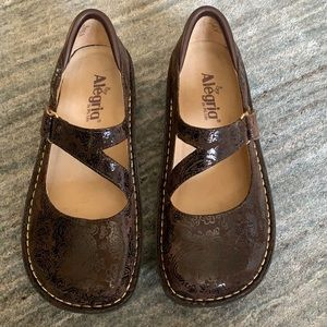 Alegria Brown Suede Paisley Mary Jane Shoes 8
